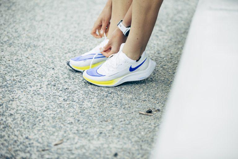 loopschoenen met carbon plaat voordelen sneller lopen